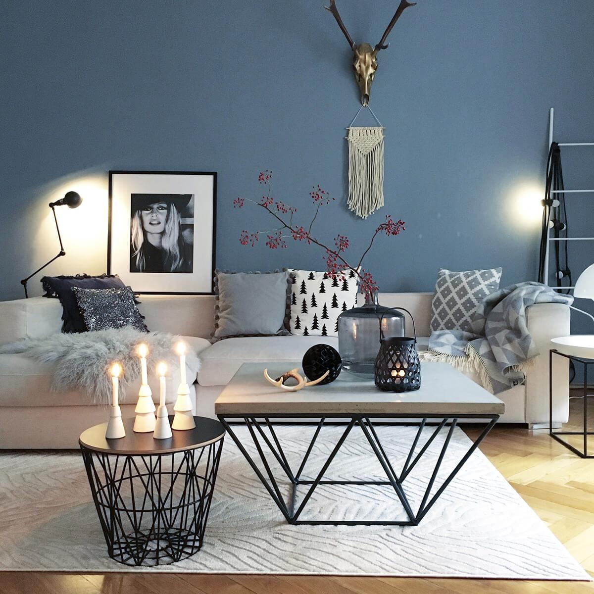 Présentoir de fleurs et de bougies minimaliste moderne dans les tons de gris