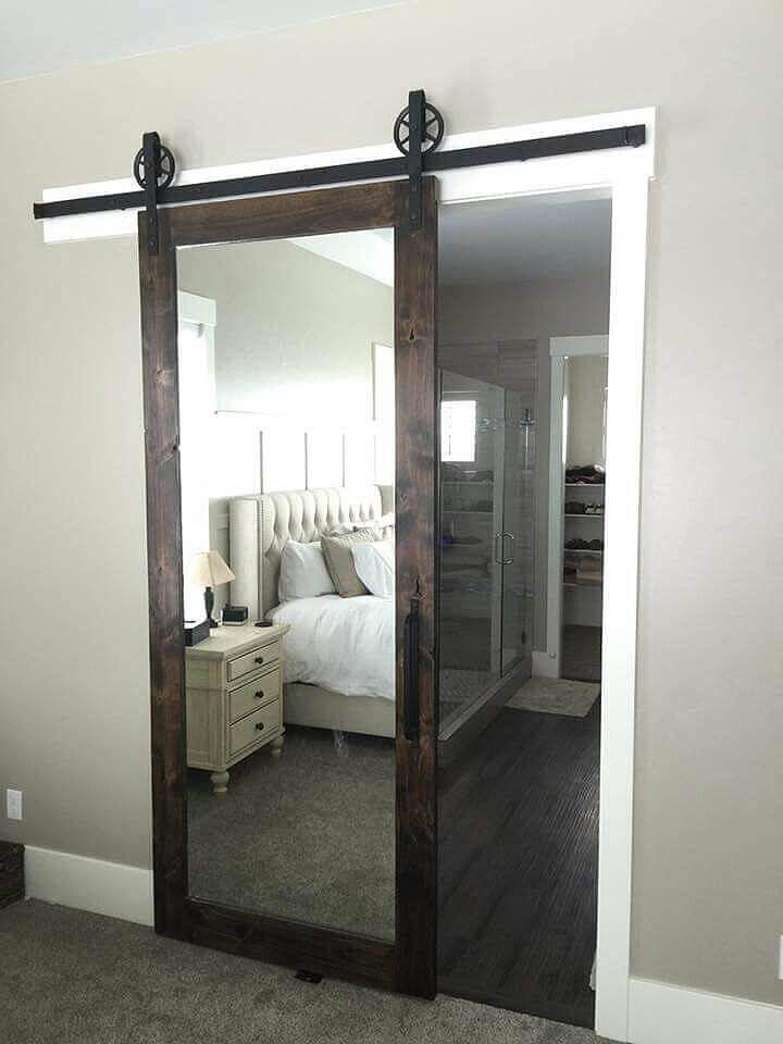 Porte coulissante en miroir de style penthouse