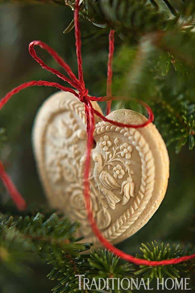 Décorées de Noël en pierre Cottage-02-1 Kindesign