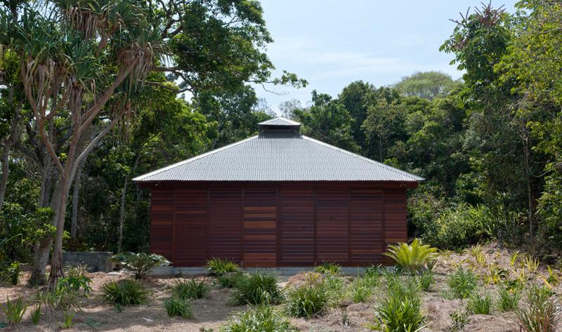 maison de plage tropicale à proximité
