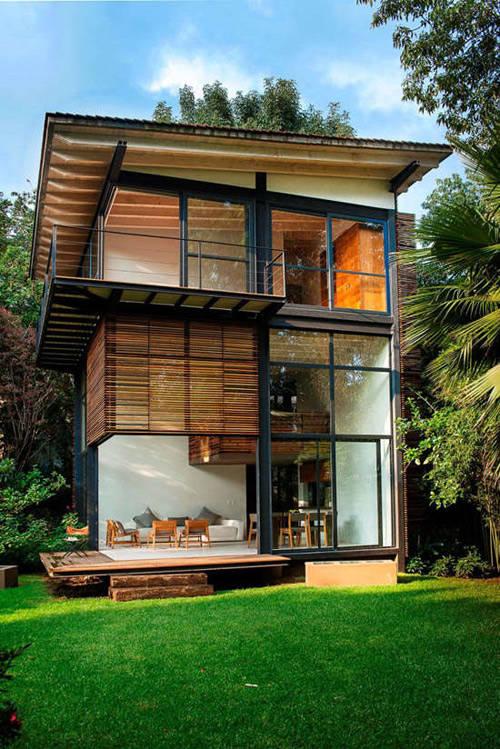 Maison rustique en bois et acier