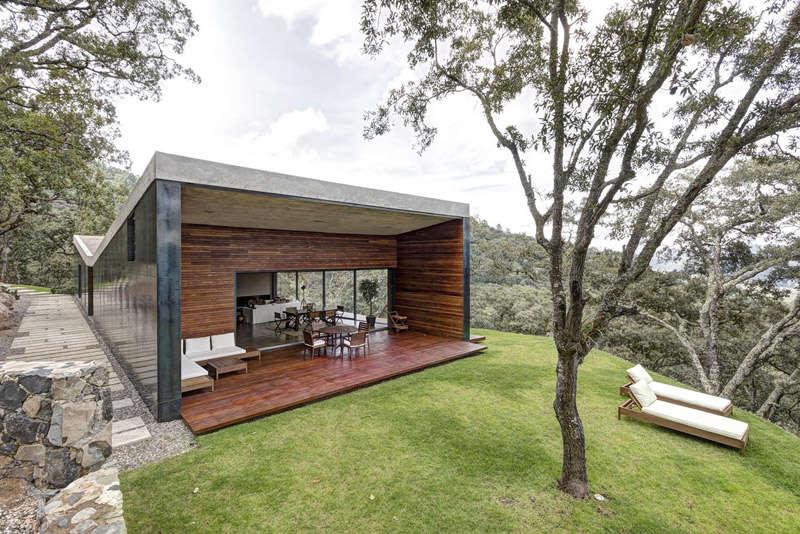 Terrasse d'une maison de montagne moderne