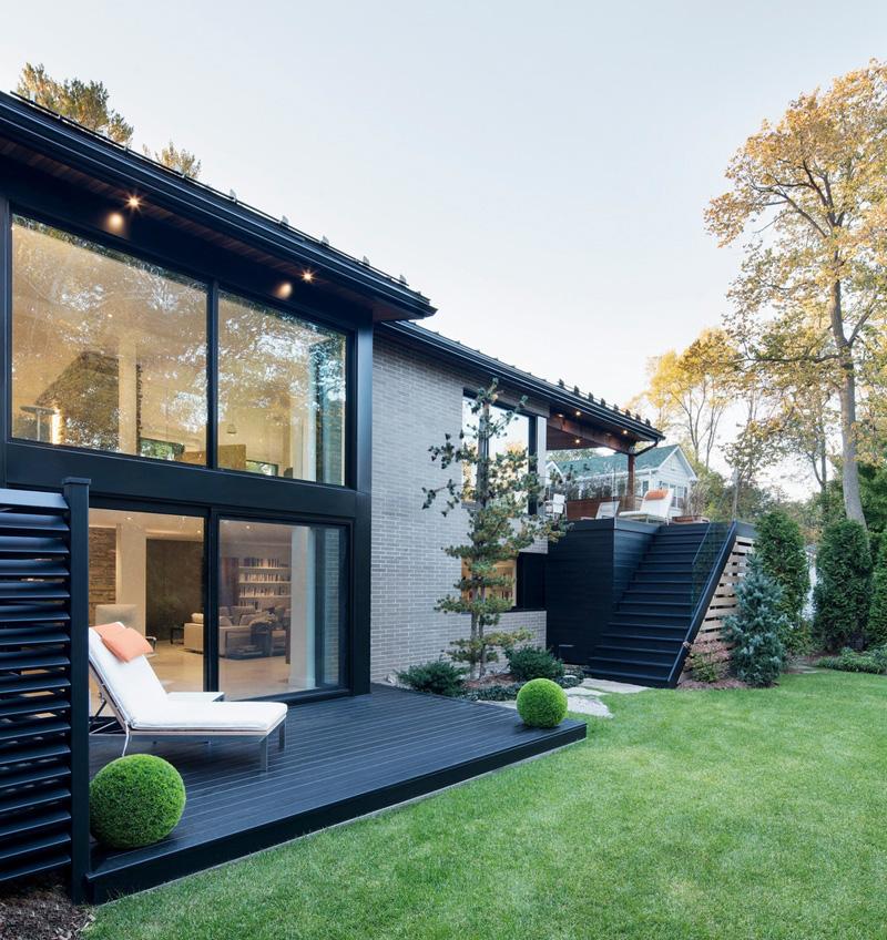 canapé intérieur noir en bois