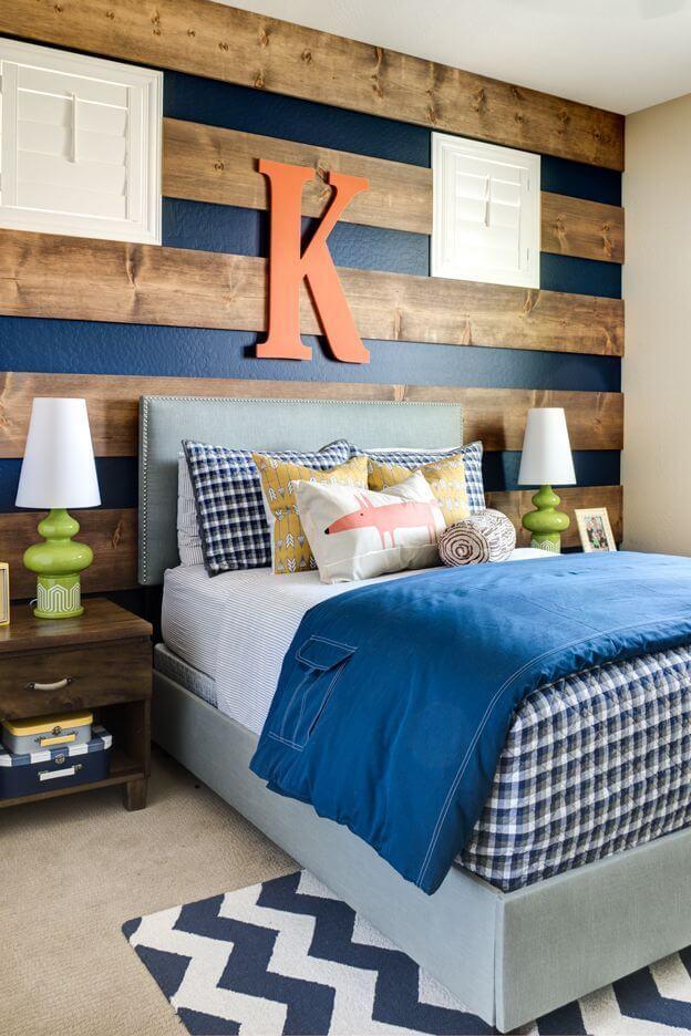 Fusion de bandes horizontales de bois et de mur