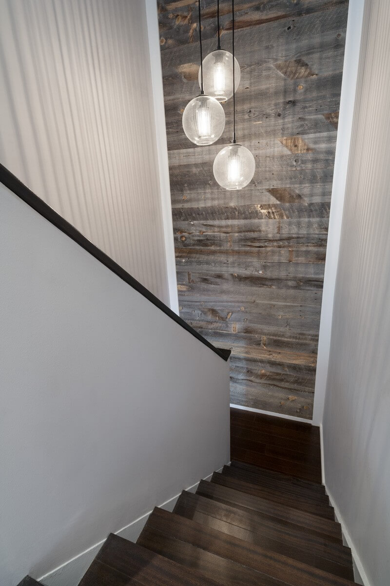 Joli mur en bois de tons gris