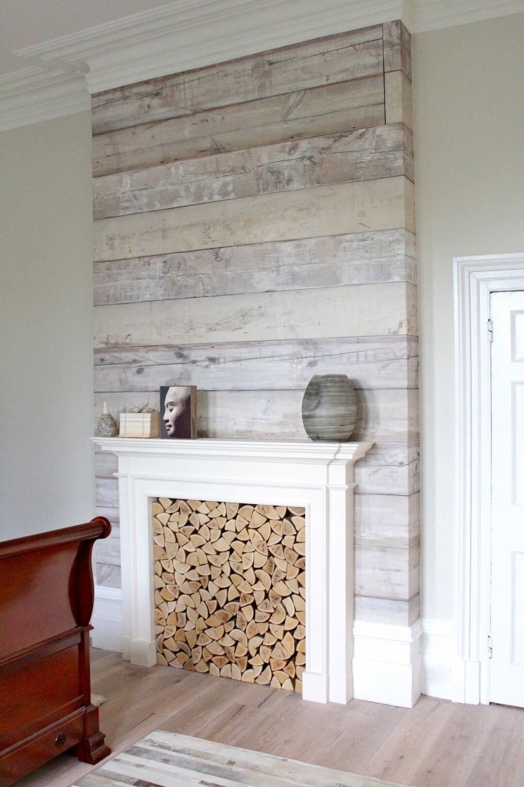 Mur en bois blanc calme et éthéré grossièrement teinté