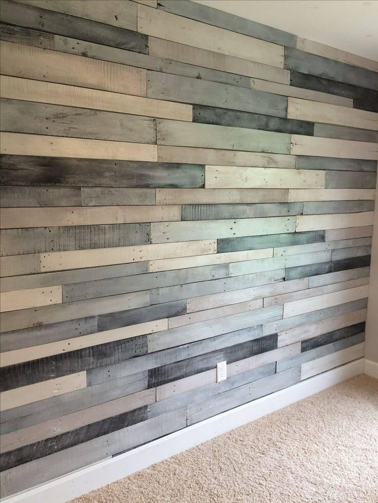Mur en bois coupé à plusieurs ombrages