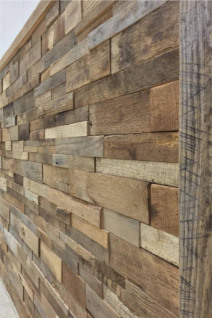Mur en bois tridimensionnel rugueux et réutilisé