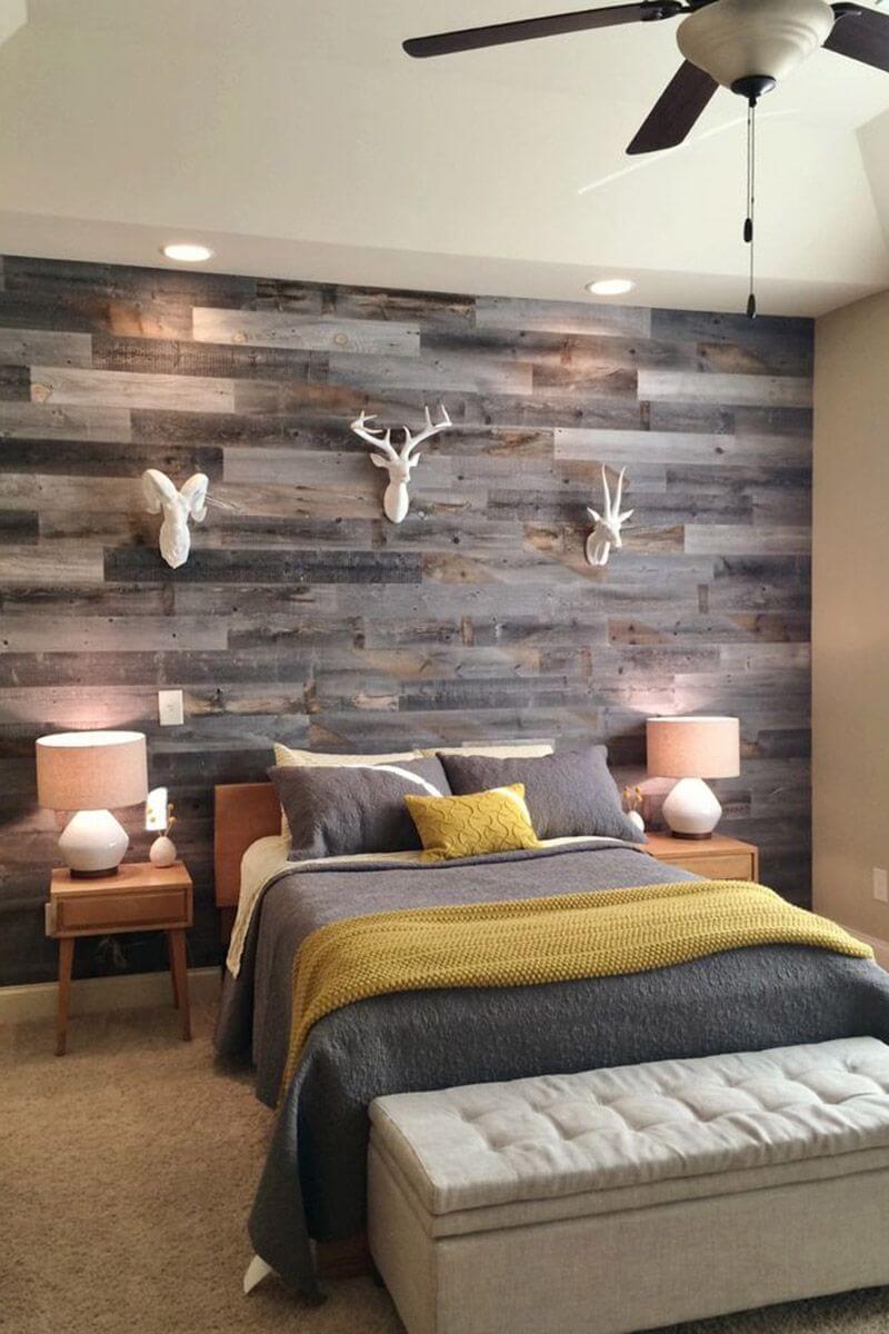 Mur en bois teinté gris patchwork