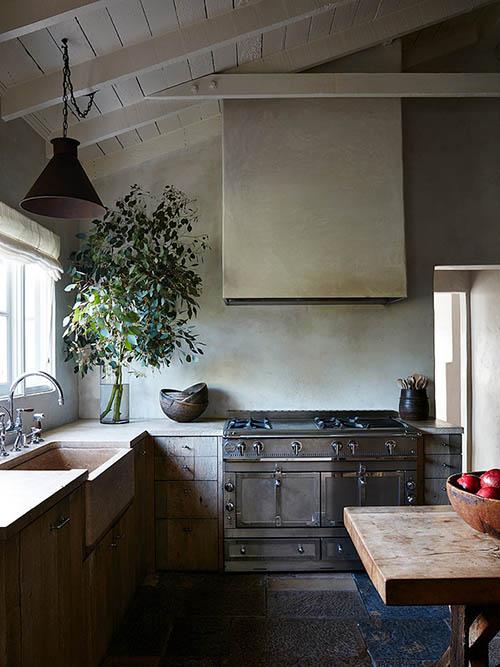Ancienne cuisine dans une maison de campagne