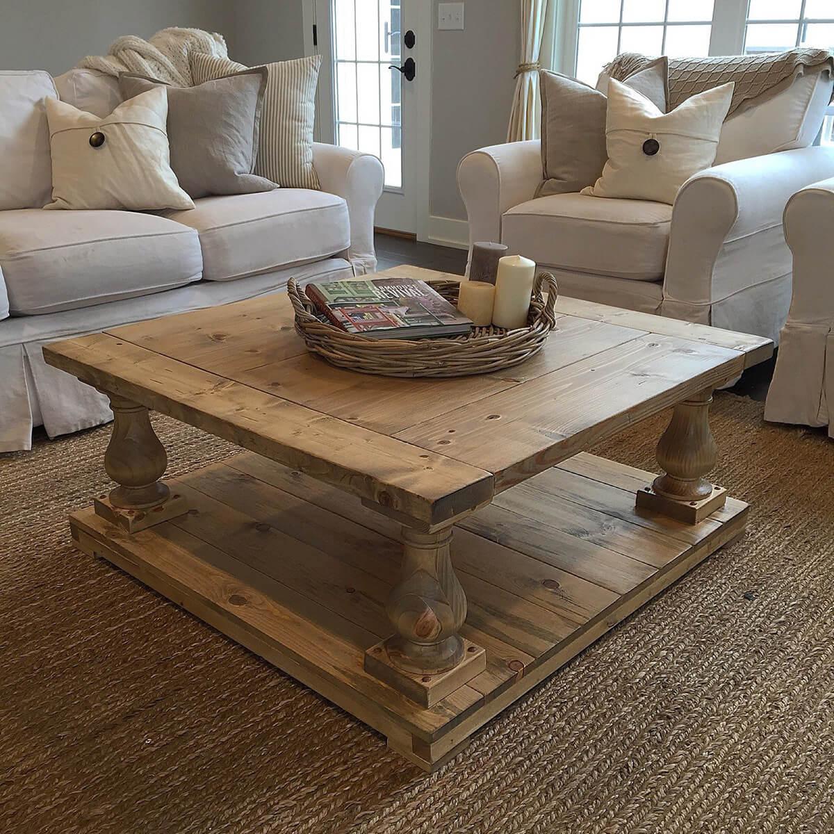 Une table rustique à balustre à larges planches