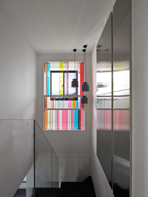 Fenêtre vitrée colorée