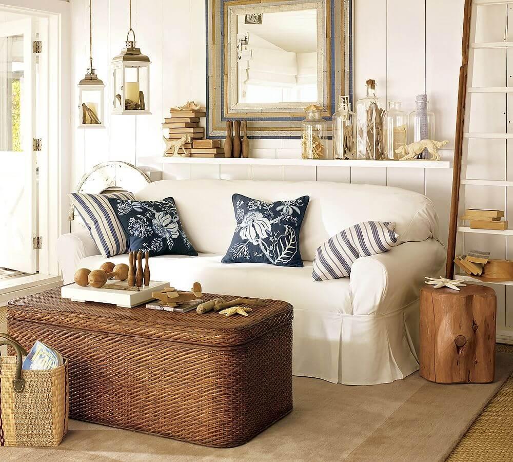 Espace salon avec surfaces en bois et tissées