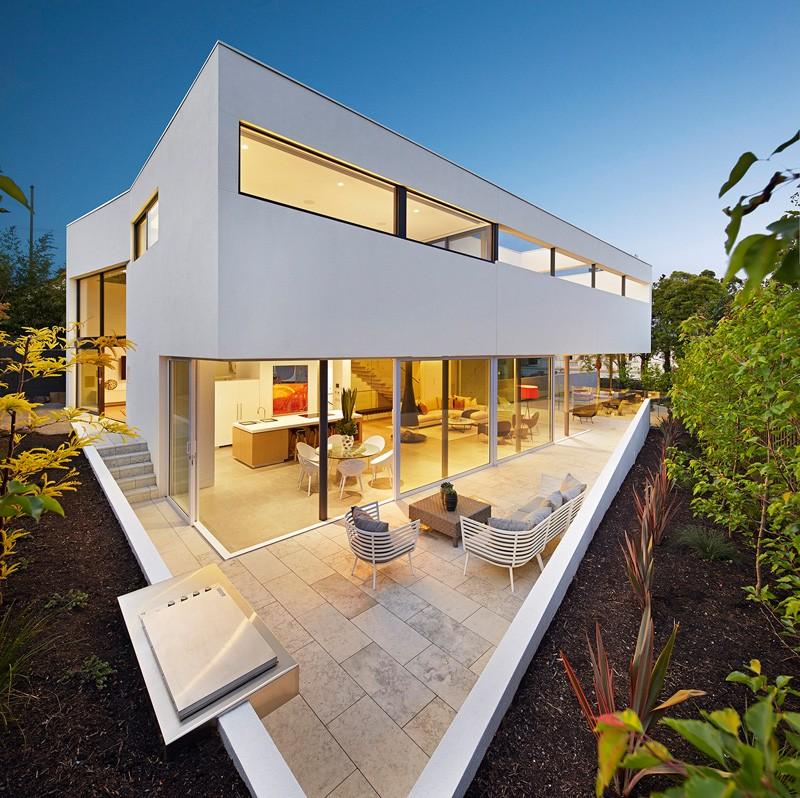 SVM Studio House