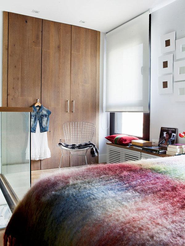 armoire de garde-robe en bois