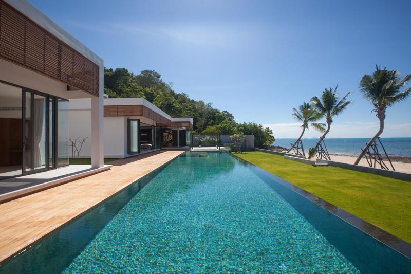 Espace piscine de la Villa Malouna