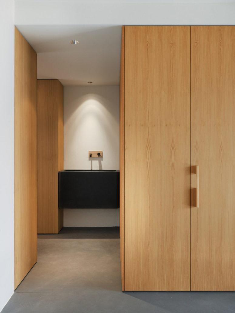 Le stockage est confortable et caché, pour éviter d'encombrer les espaces minimaux