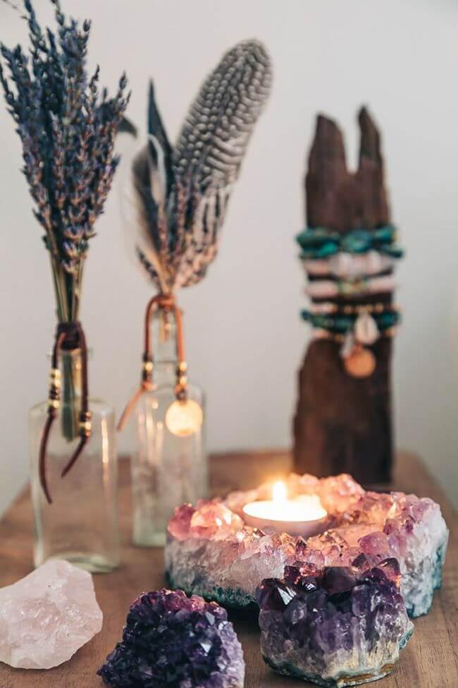 Idée de décoration Geode Lights et cristal de lavande