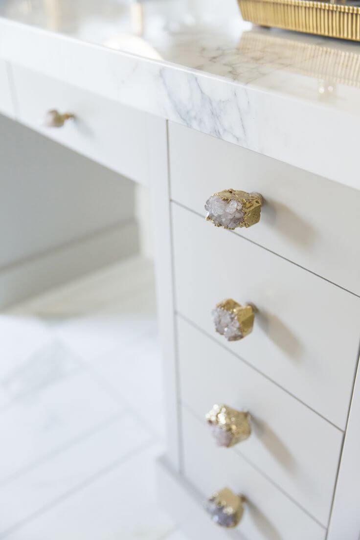 Poignées de tiroir de bureau en pierres blanches dorées