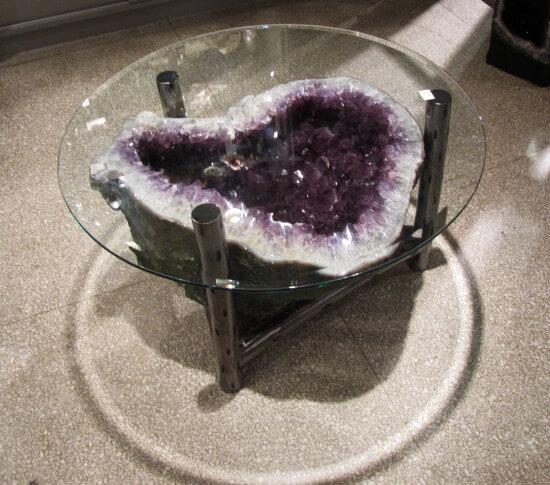 Géode dans un bol en verre