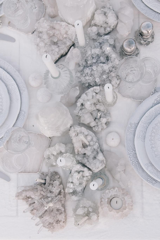 Chandelles en cristal, argent et blanc