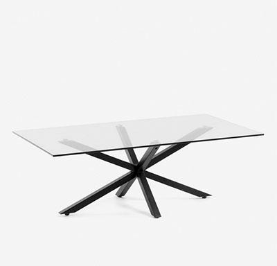 table basse en verre avec pieds en métal