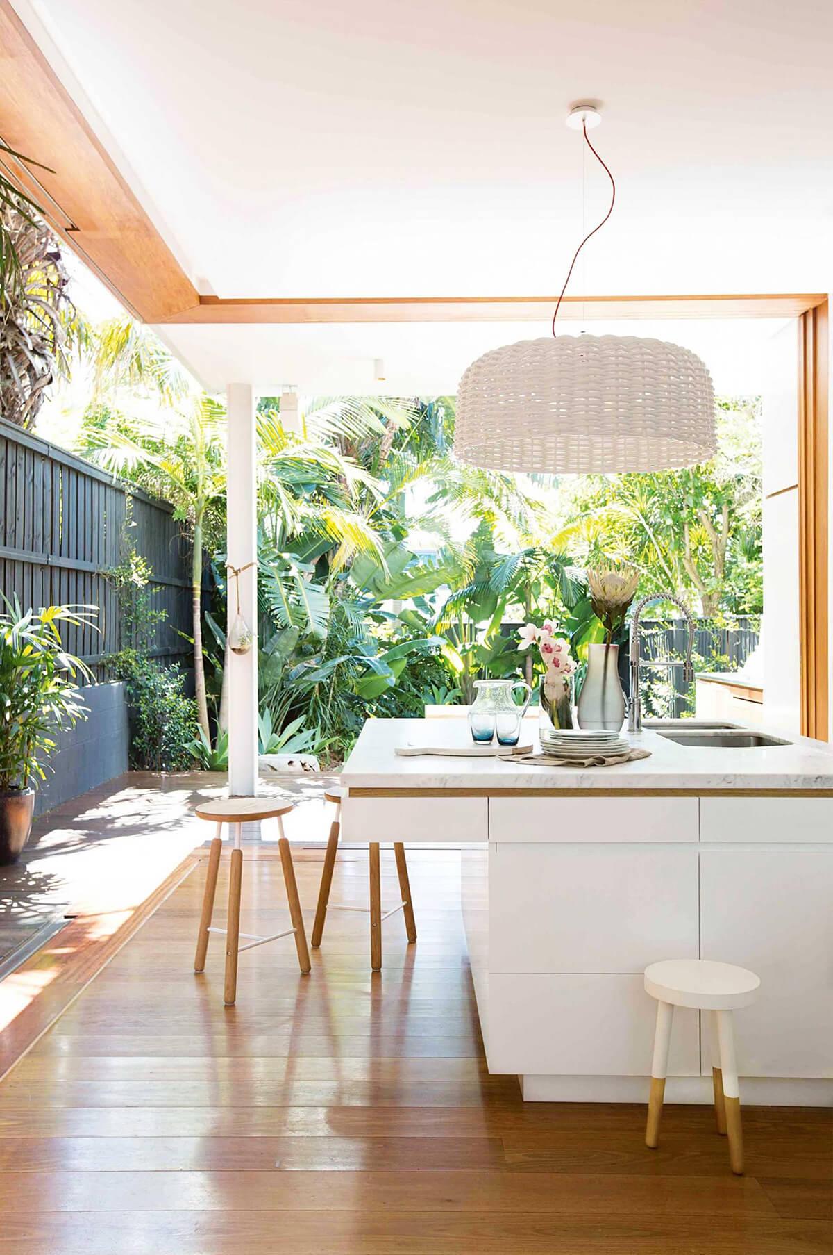 Idée de décoration de style tropical pour la cuisine