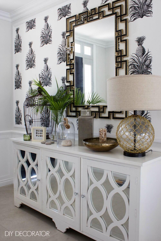 Buffet miroir et papier peint ananas
