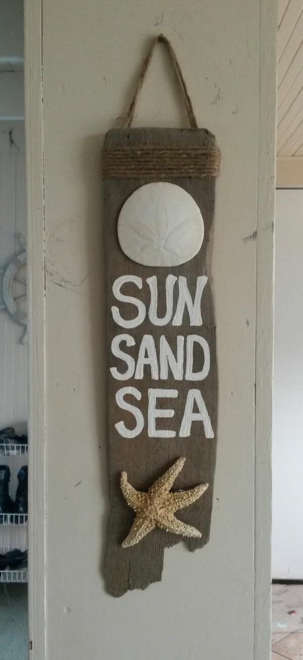 Signe de bois flotté avec Sand Dollar et Starfish