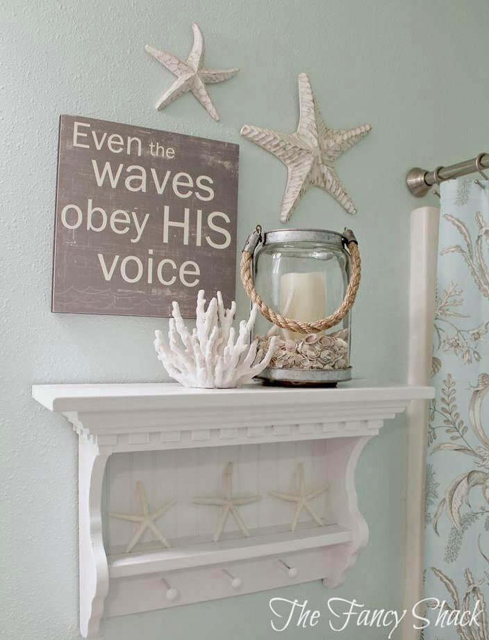 Dire religieux sur un panneau en bois