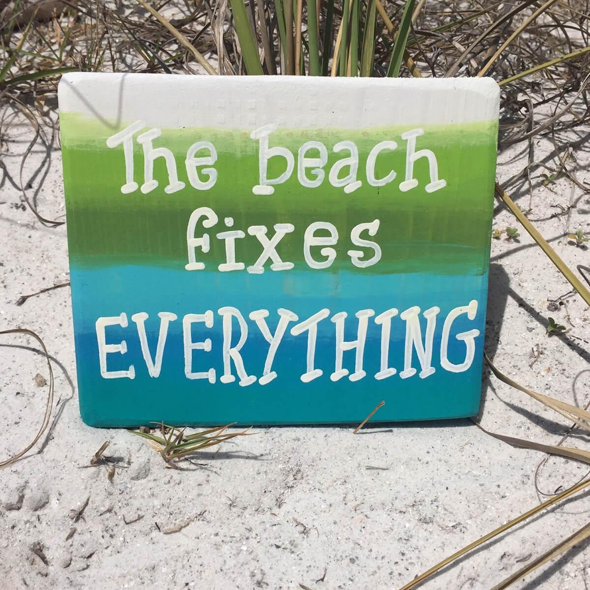 Panneau de plage vert, bleu et blanc