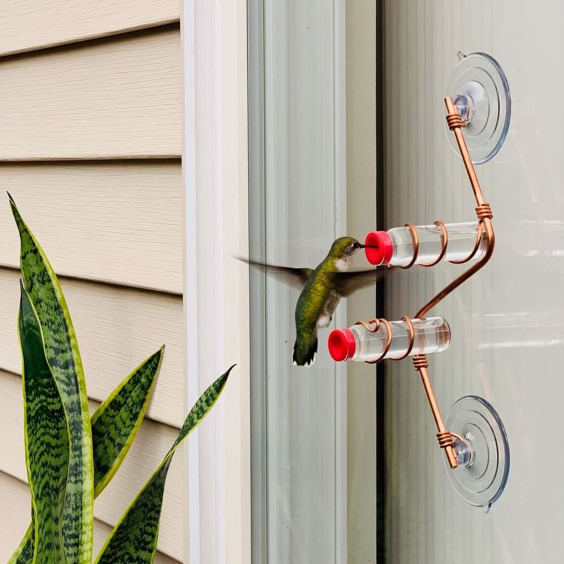 Mangeoire pour colibris en fil de cuivre et ventouse