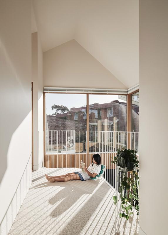Les deux niveaux sont très ouverts et lumineux, ils rendent l'extension accueillante
