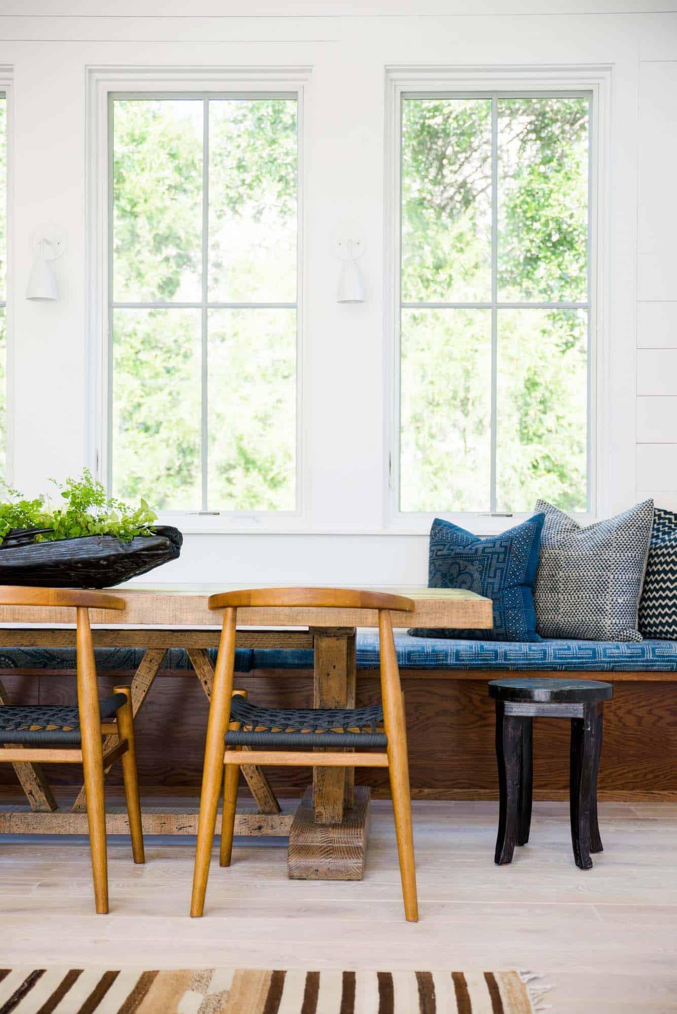 Modern Organic Beach Cottage-Cortney Bishop Design-04-1 Kindesign