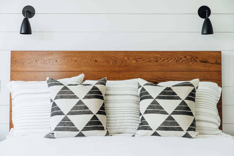 Modern Organic Beach Cottage-Cortney Bishop Design-11-1 Kindesign