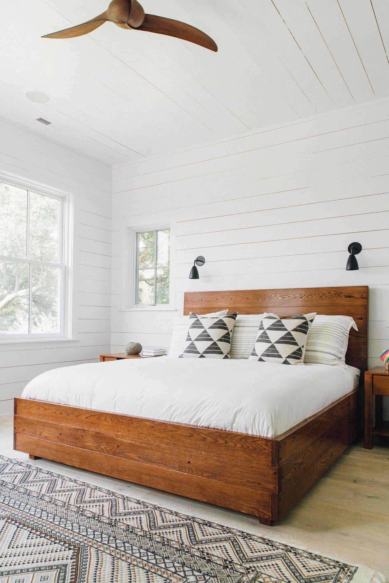 Modern Organic Beach Cottage-Cortney Bishop Design-10-1 Kindesign