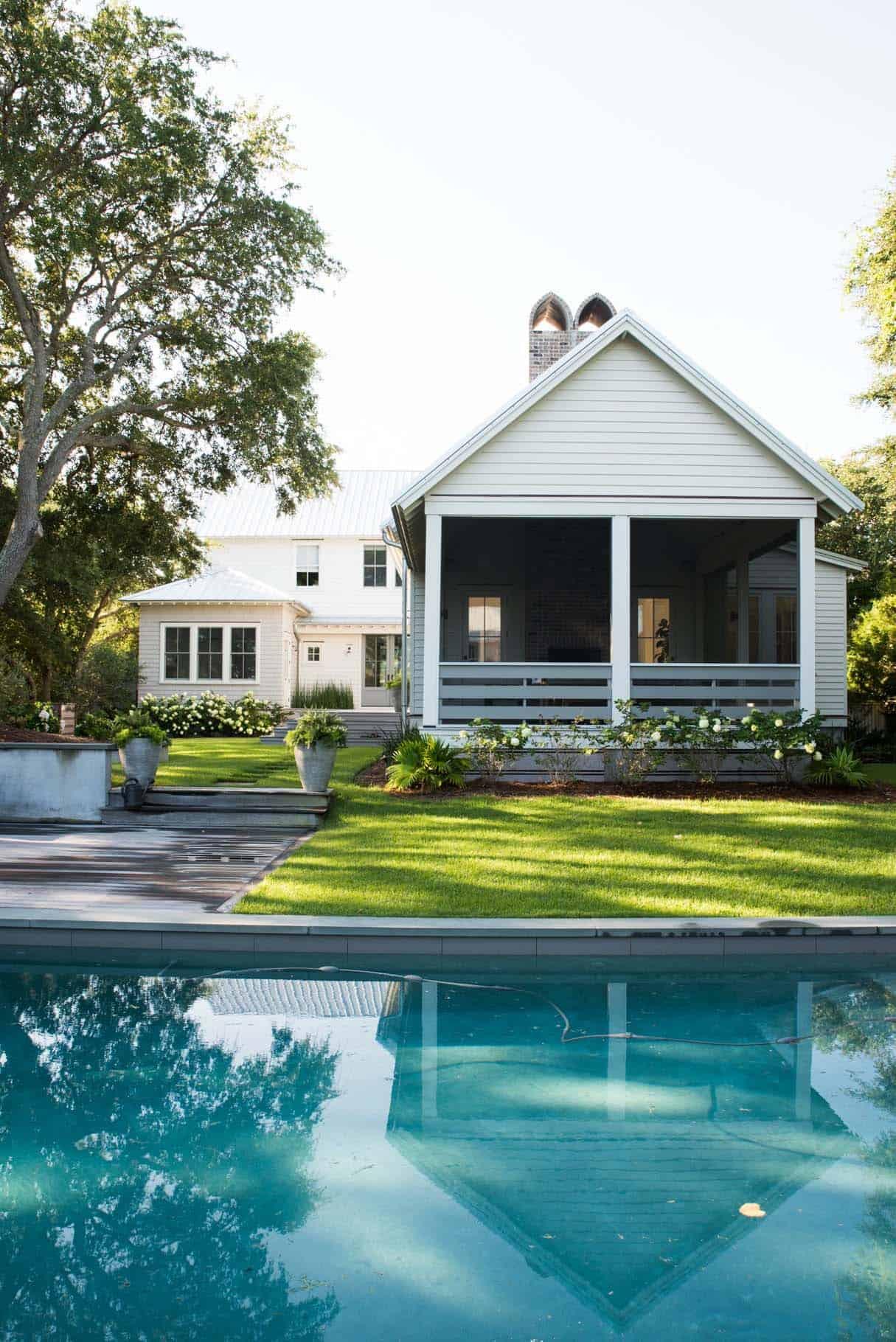 Modern Organic Beach Cottage-Cortney Bishop Design-21-1 Kindesign