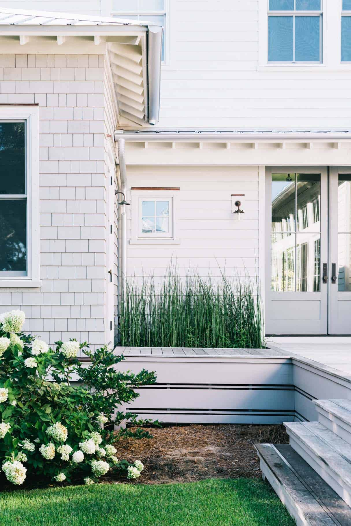 Modern Organic Beach Cottage-Cortney Bishop Design-20-1 Kindesign
