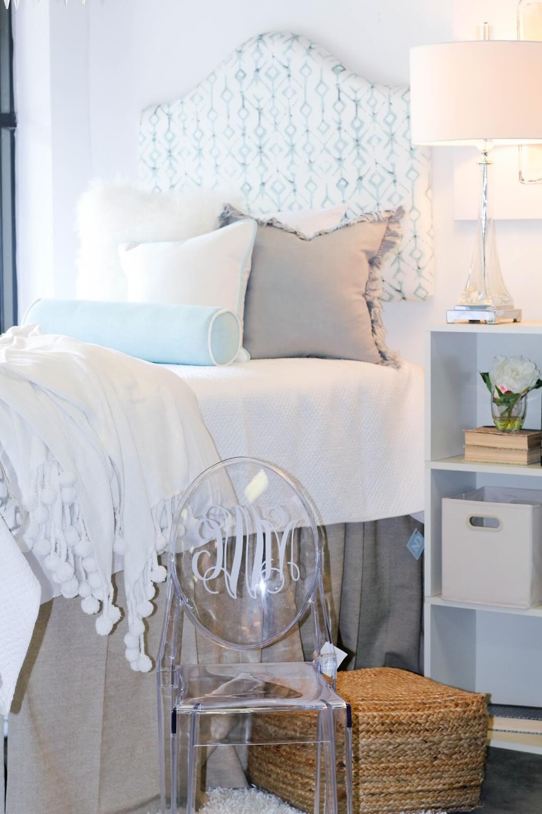 Décor de chambre dortoir fleur blanche