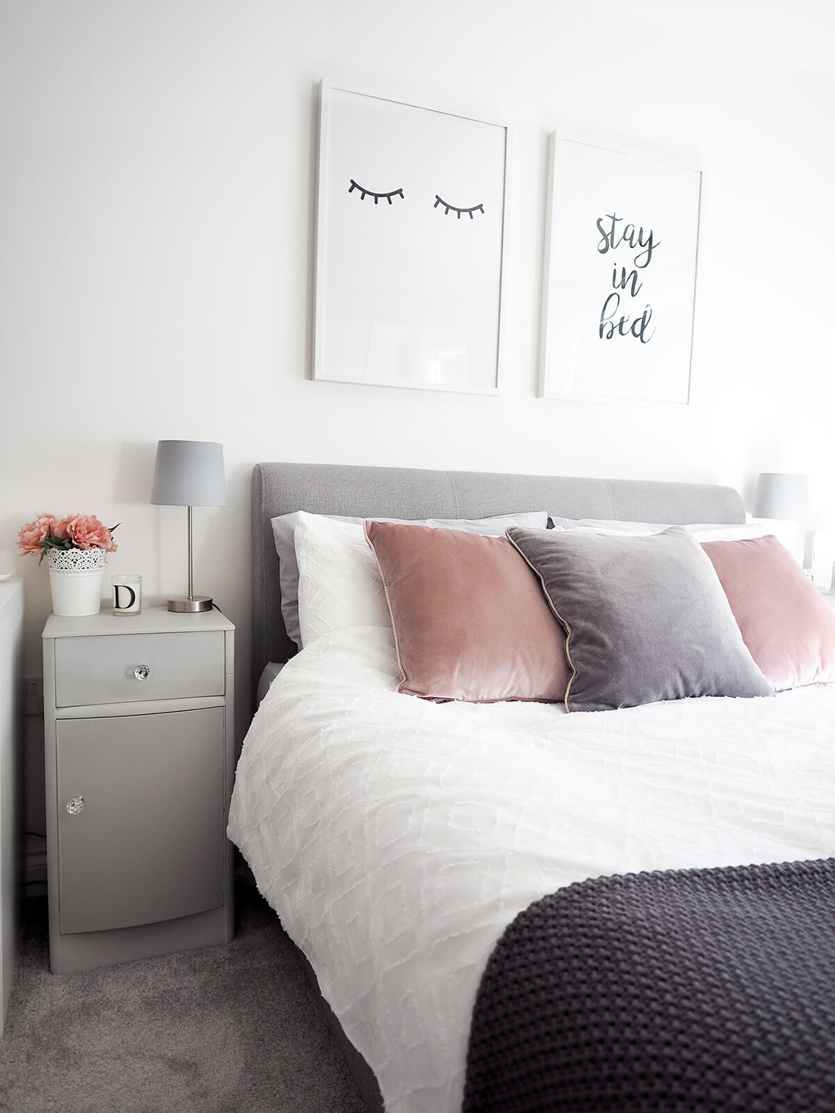 Décor de chambre à coucher de luxe moderne simple