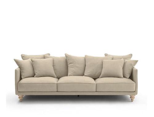 coussins de canapé beige