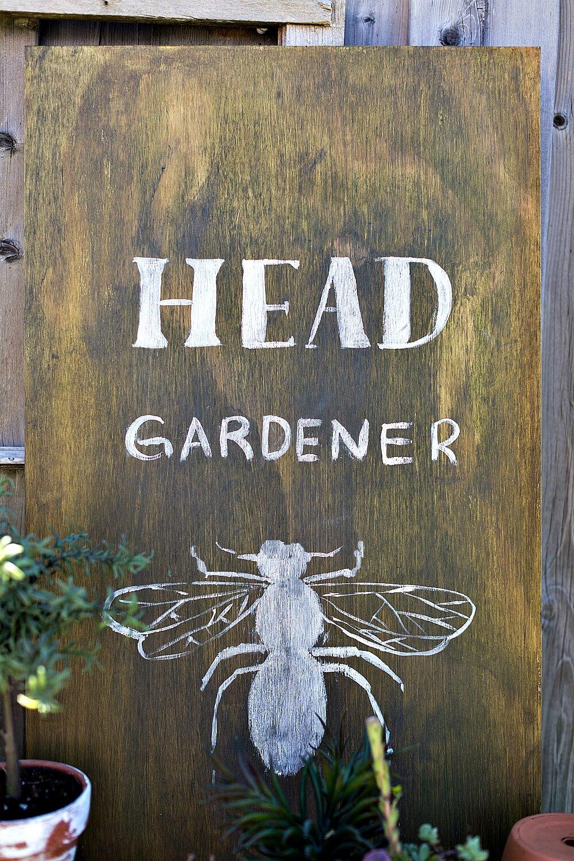 Fun Sign célébrant les abeilles