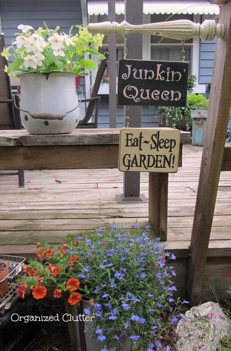 Un panneau de jardin avec personnalité