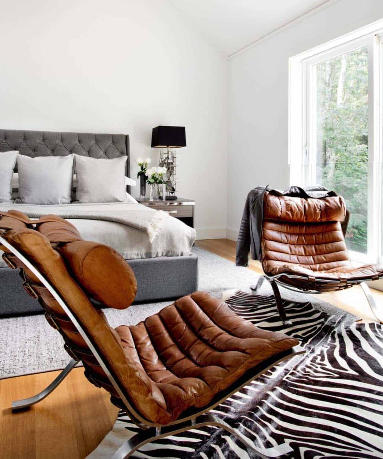 Modern Home East Hampton-Timothy Godbold-12-1 Kindesign