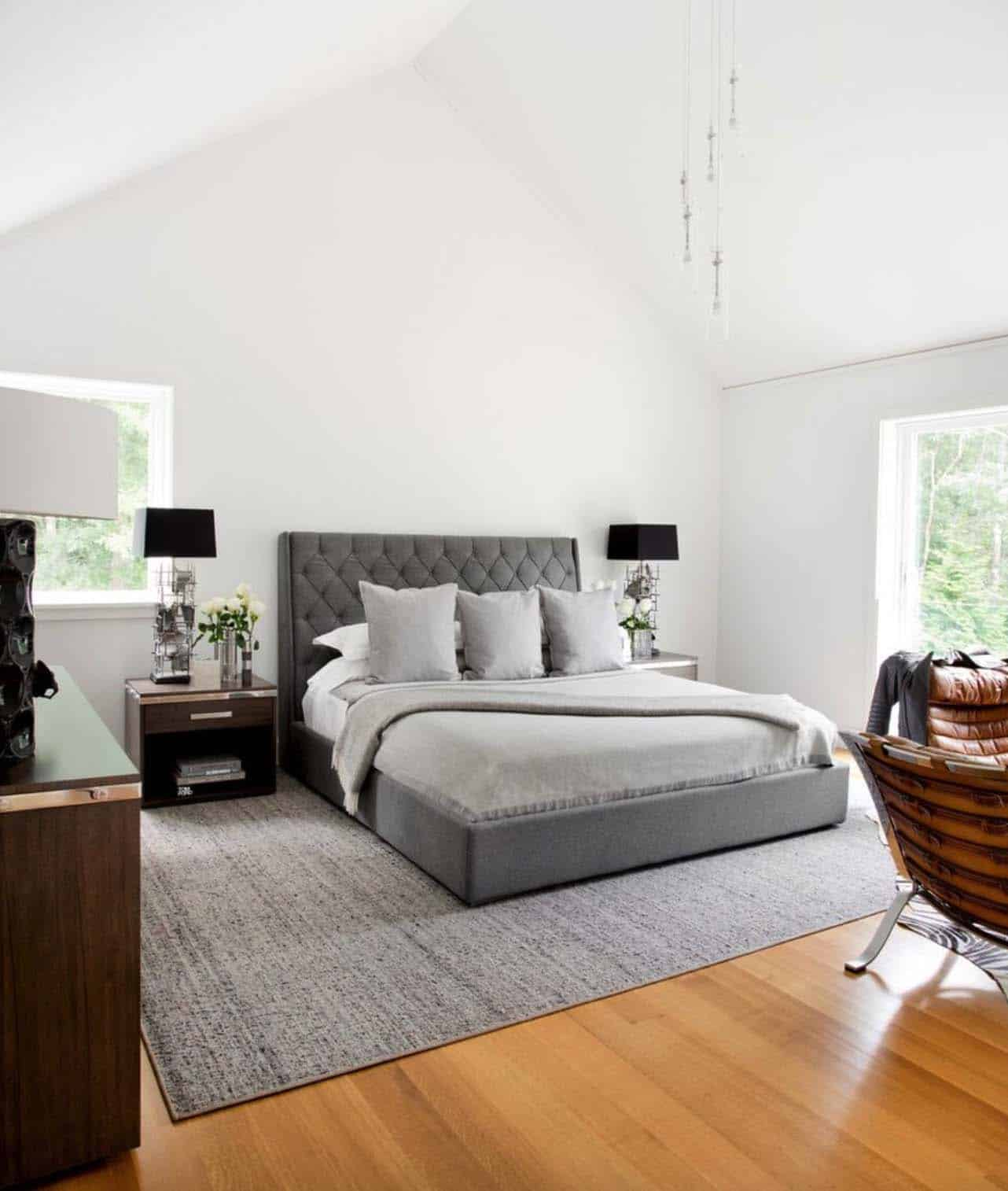 Modern Home East Hampton-Timothy Godbold-11-1 Kindesign