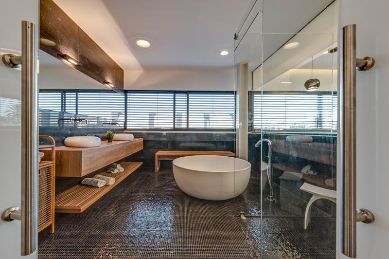 Salle de bain de la maison cachée