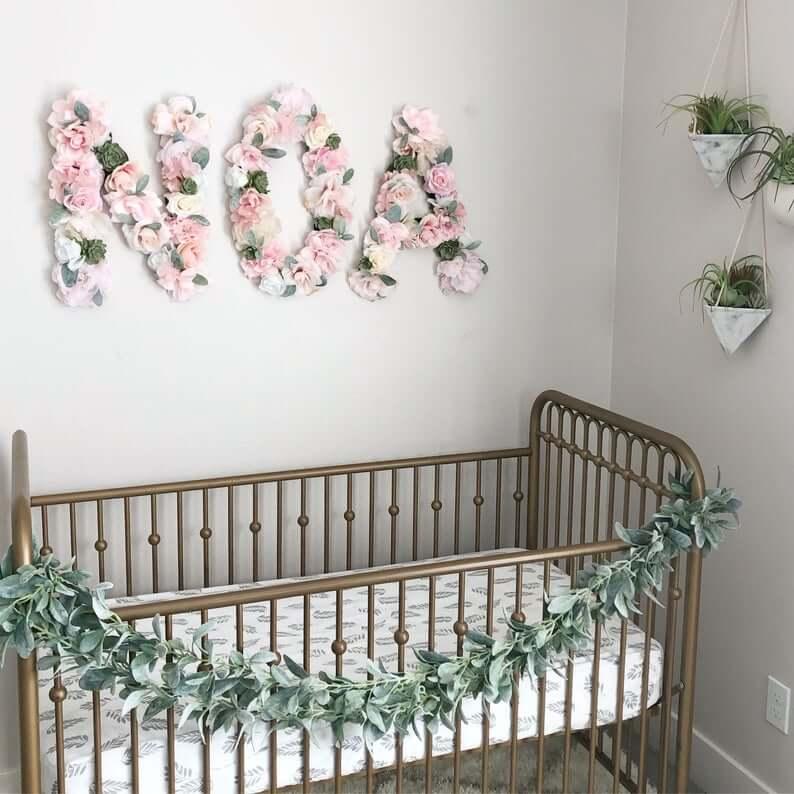 Décoration murale Eucalyptus et nom floral rose
