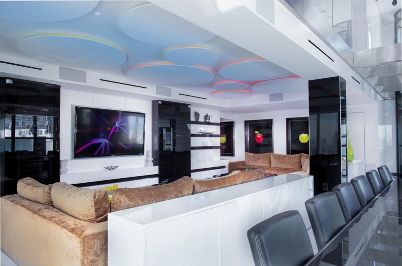 Salon Penthouse Bentley Bays