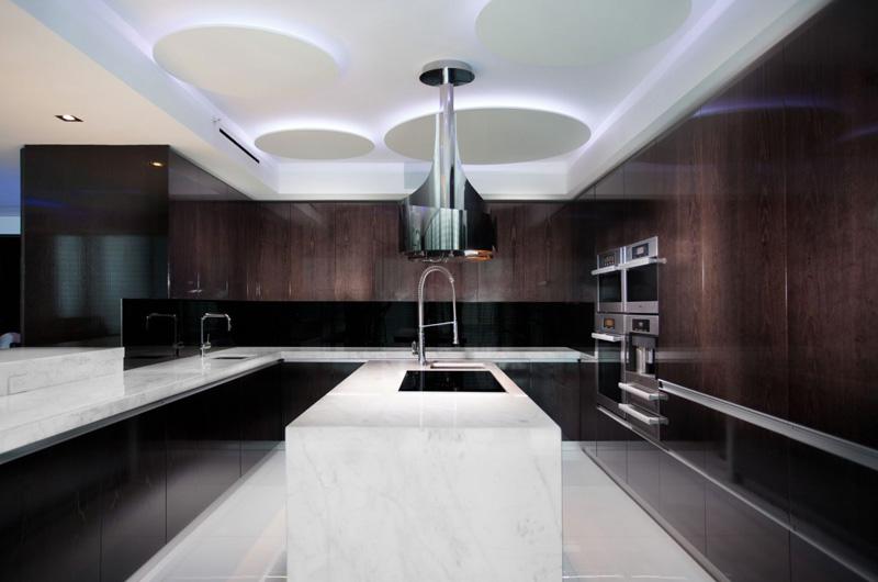Cuisine Penthouse Bentley Bays