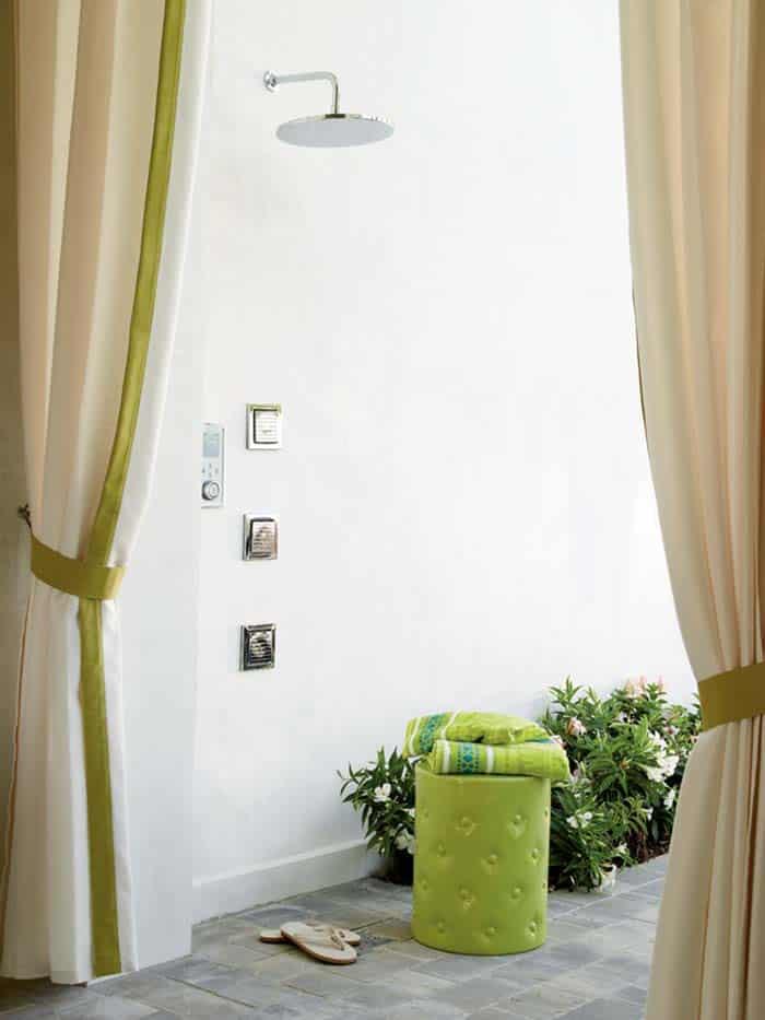 Maison de plage colorée-Urban Grace Interiors-18-1 Kindesign